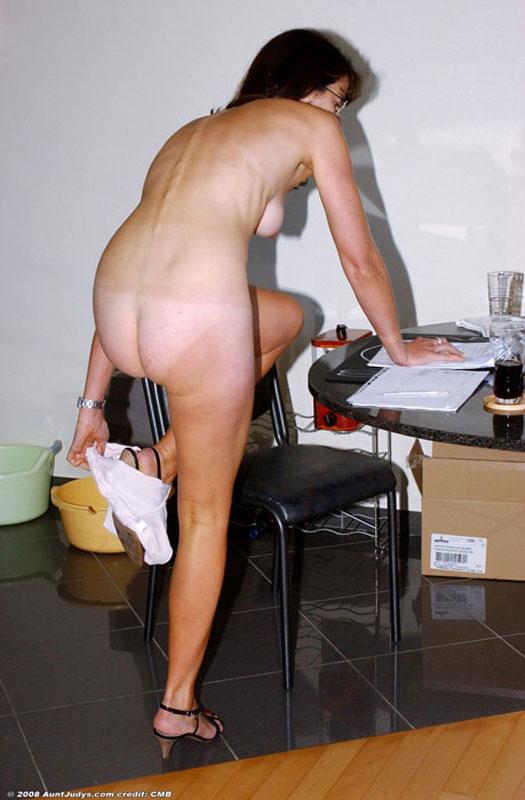 Masturbating on her exercise bike - 2 part 2