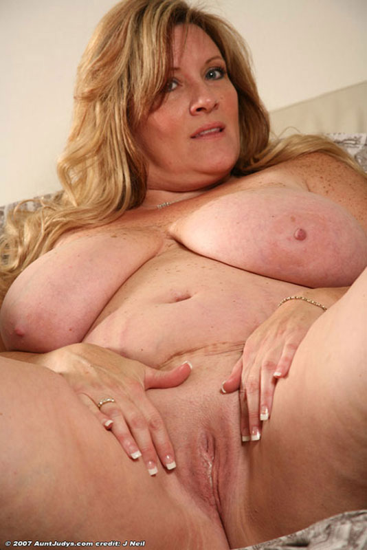 Dames matures toying cul