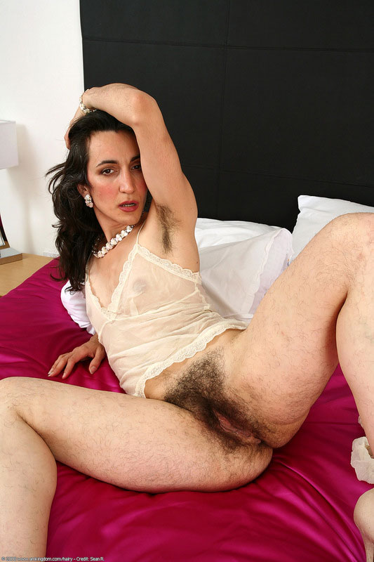 Spreading mature pussy Spreading