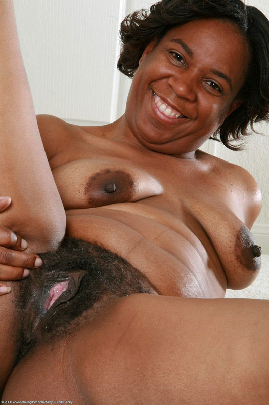 Old Mature Creamy Pussy