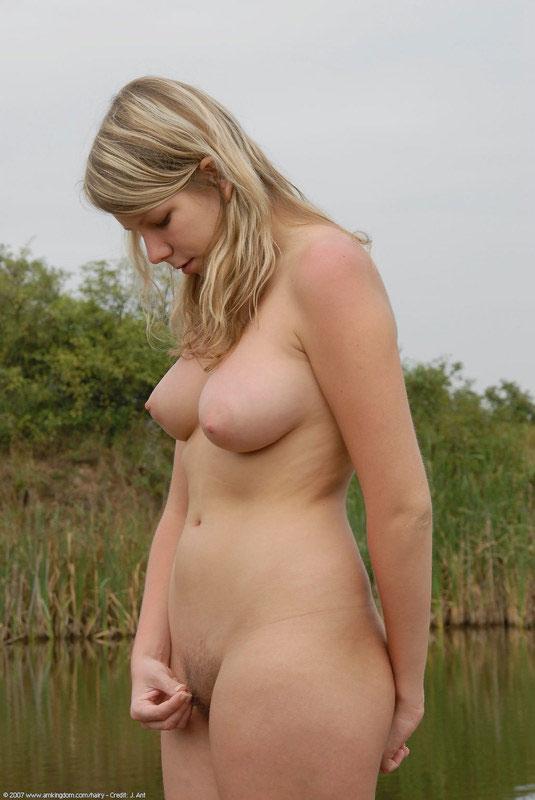 Blonde Shemale Fucks Hot Girl