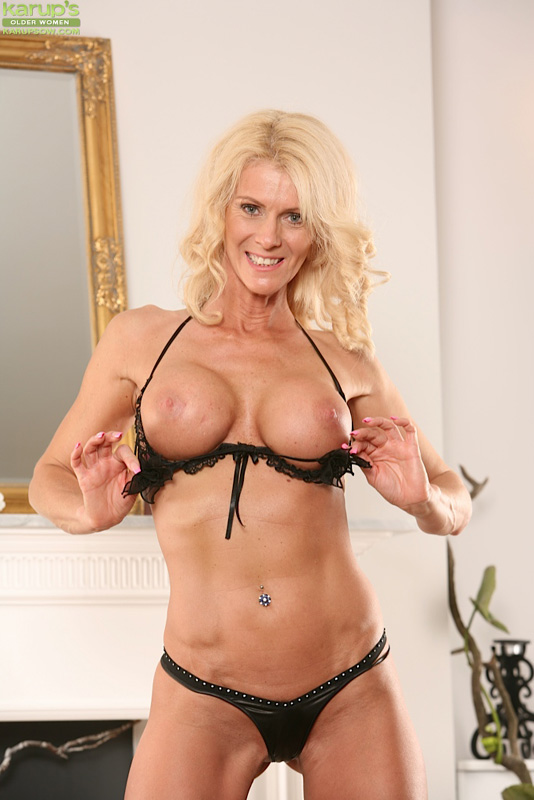 Lexi carrington hot mom - 2 9