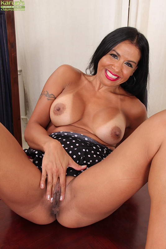 Juicy latino mom - 2 part 9