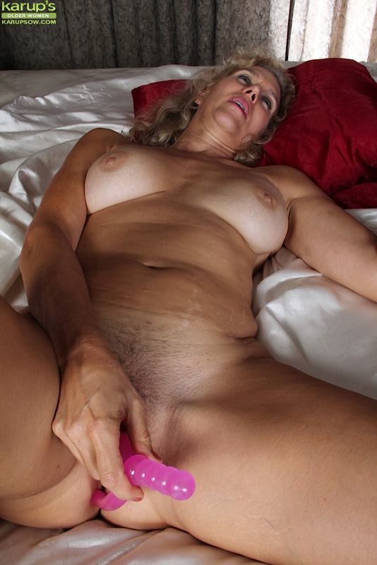 Hot College Girl Masturbates