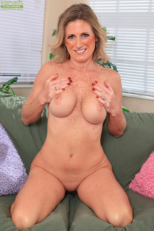 image Milf zoey portland enjoys double cum swallowing