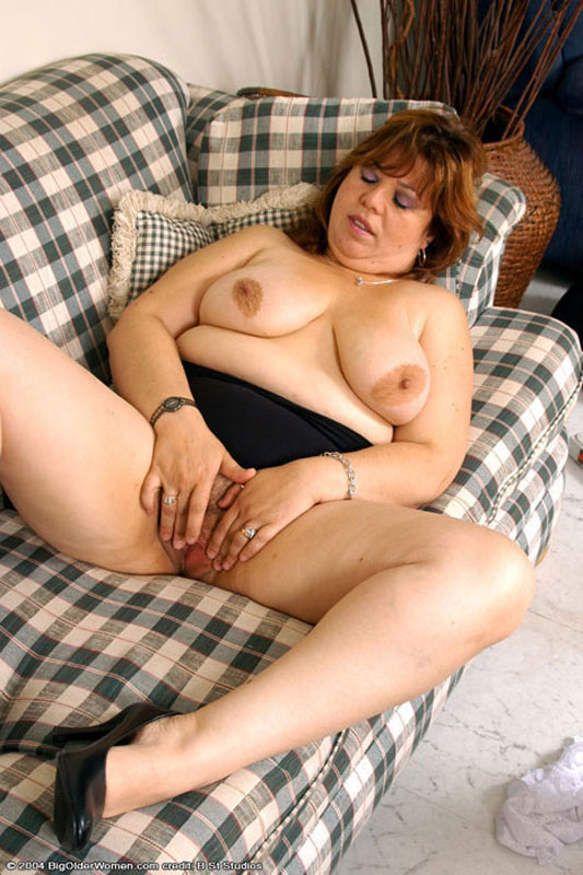 Moms spreading pussy pictures top porn images