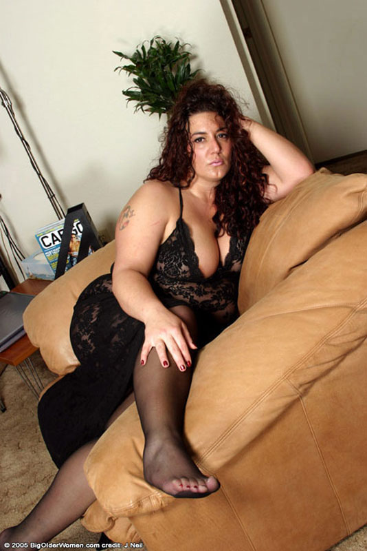 Fat old in pantyhose