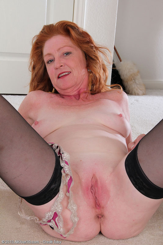 image Blonde anna breaks her virginity with a dildo