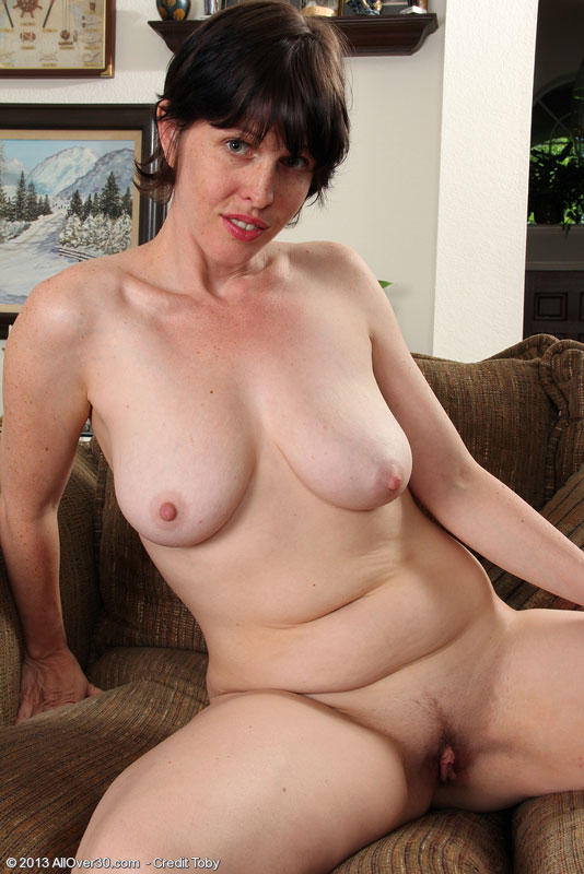 Cathy horny housewife - 1 part 1
