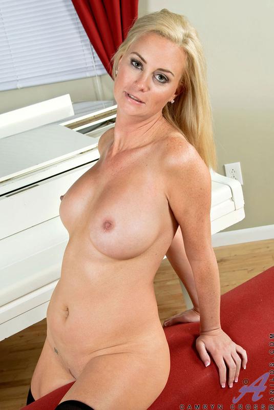 Alanna ackerman gets her juicy ass nailed 4